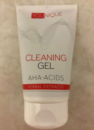 Очищуючий гель з AHA-кислотами та рослинними екстрактами