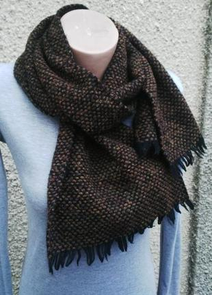 Шерстяной шарф с бахромой. италия.