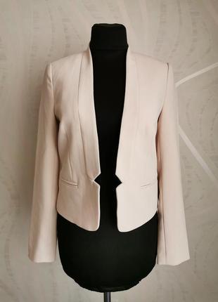 Стильный нюдовый укороченный жакет,пиджак