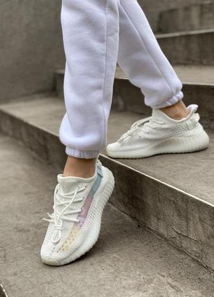 Женские кроссовки adidas yeezy 350 белого цвета (36-40)