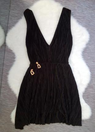 Стильное черное платье от h&m