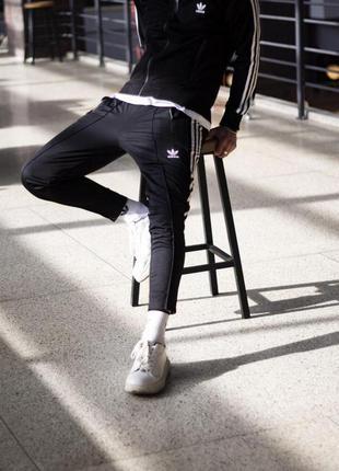 Спортивные штаны укороченные adidas stich