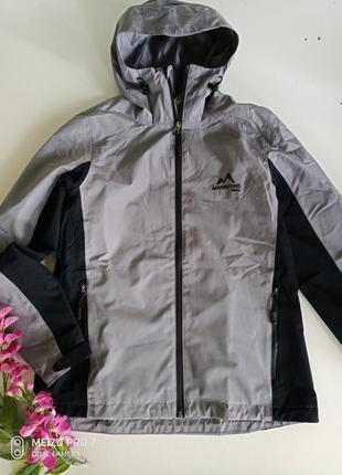 Легкая ветро /водонепроницаемая куртка от немецкого бренда cri...