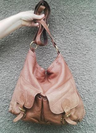 Большая,вместительная,кожанная сумка на одно плечо(кроссбоди)