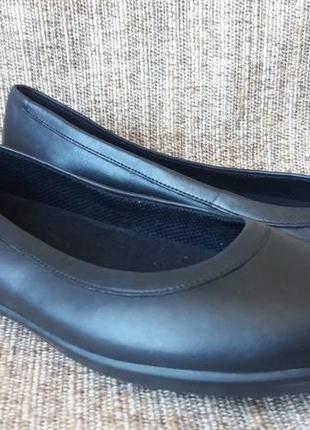 Туфли-балетки crocs grace flat. натуральная кожа. р.8,5