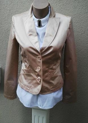 Красивый жакет,пиджак с жемчужным переливом,люкс бренд, moschino