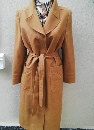 Красивое,тонкое, осень-весеннее пальто,тренч, под пояс