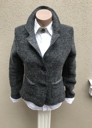 Жакет,пиджак шерстяной с нашивками на рукавах,без подкладки)ит...