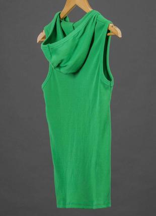 Трикотажная зеленая майка в рубчик с капюшоном creative & drea...