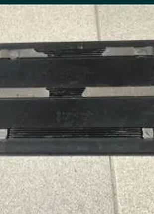 Рамка номерного знака volkswagen touareg audi q7 4L0827113