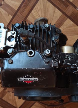 Двигатель бензиновый BRIGGS&STRATTON 650 SERIES