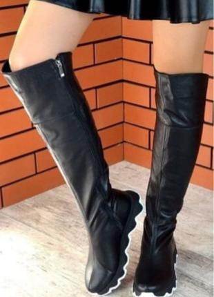 Демисезонные черные женские кожаные шикарные ботфорты Mante crazy
