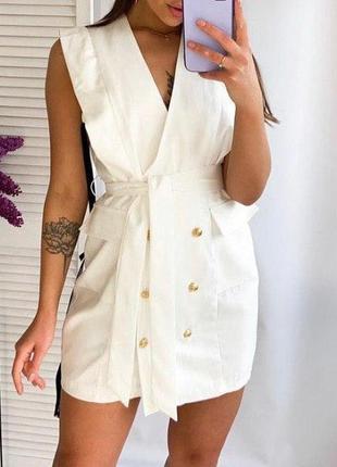 Белое двубортное платье пиджак без рукавов prettylittlething