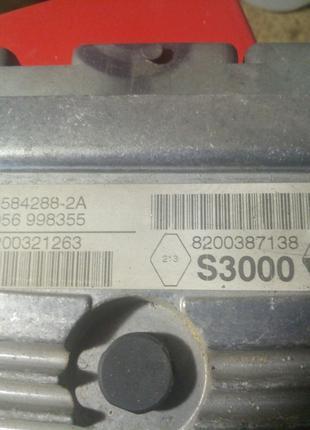 Блок управления двигателем Renault Megan