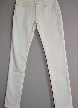 Брендовые джинсы levis, состояние новой вещи, зауженные, р. s-m
