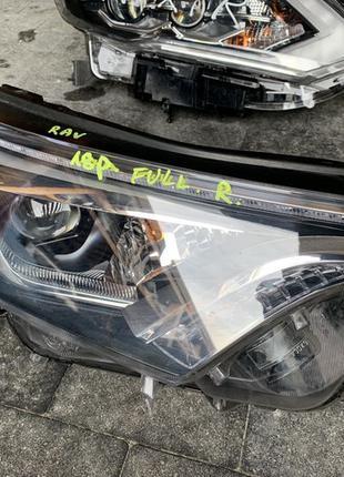 Фара передняя правая ЛЕД LED Toyota RAV4 Rav 4 Тойота Рав 4 2017