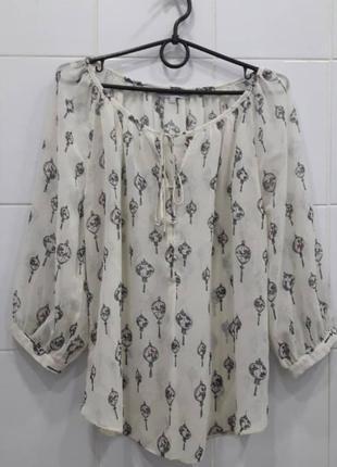 Нежнейшая шифоновая блуза с актуальным принтом