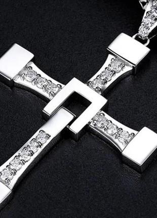 Крест Вин Дизеля Торетто с цепочкой серебристый