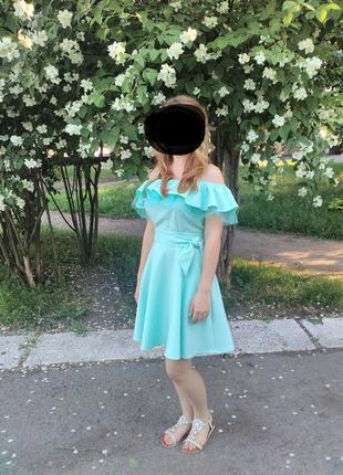 Красивое платья на девочку