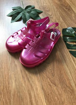 Крутые сандали босоножки мыльницы 34-35 размер