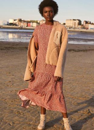 Лёгкое стильное платье миди
