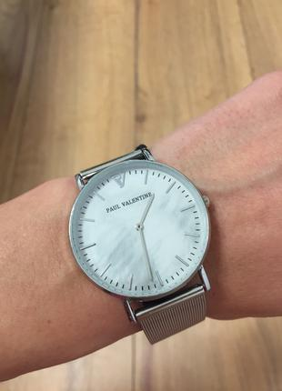 Стильные часы Paul Valentine