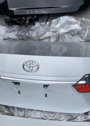 Ляда крышка дверь багажника задняя Toyota Corolla Тойота Королла