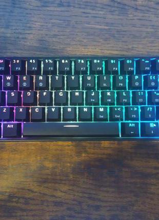 Gk 61 топова hot swap 60% клавіатура. На свічах gateron optical b