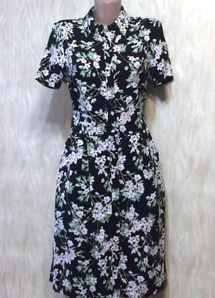 Платье на пуговицах из натуральной ткани с карманами dorothy p...