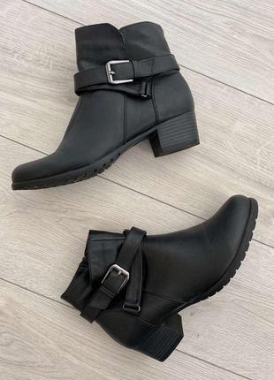 Ботинки чорні, ботінки, сапожки короткі, полуботинки.