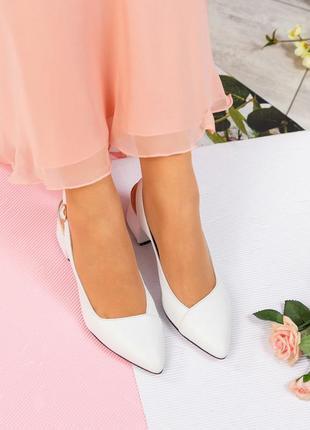 Новая коллекция туфли летние с ремешком  натуральная кожа
