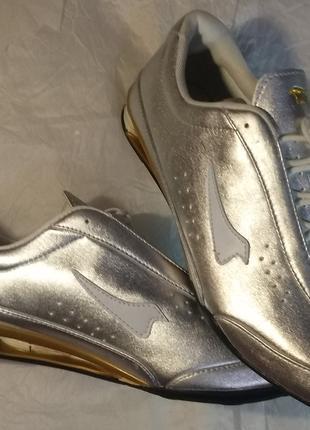 Кроссовки серебро кожзам 43р