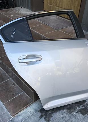 Дверь задняя дверка двері задні Toyota Avensis Тойота Авенсис Аве