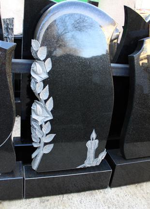 памятник гранитный свиток\розы