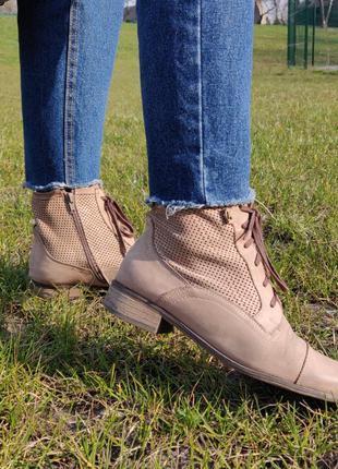 Кожаные ботинки (26 см)