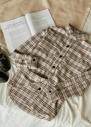 Бежевая плотная рубашка оверсайз. рубашка-пиджак в клетку.