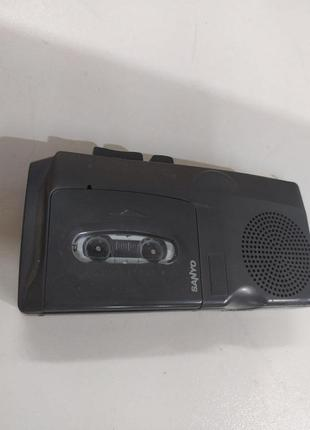 Аналогов диктофон Sanyo TRC 520m Talk Book Microcassette recorder