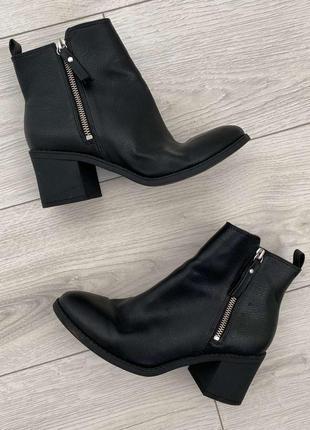 Битинки женские, на каблуку, от h&m, черные полуботинки на низ...