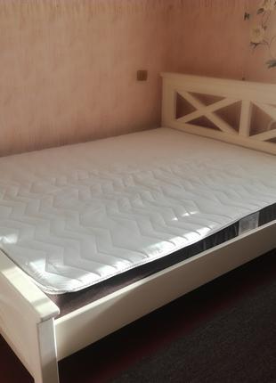 Двухспальную кровать с матрасом