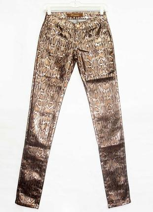 Новинка. классные брюки джинсы, змеиный принт. новые, все р-ры...