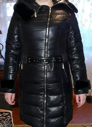 Пуховик-пальто женское в отличном состоянии
