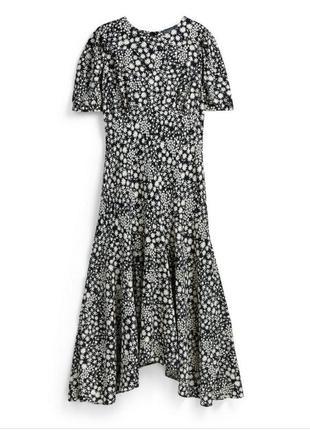 Нежное длинное платье асимметричный низ, рукав фонарик