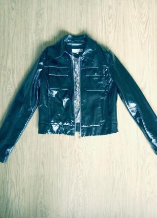 Крутая курточка под лакированную кожу, р.44-46