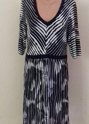 Новое вискозное платье с принтом dorothy perkins