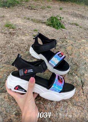 Босоножки, сандали на платформе с паетками в спортивном стиле,...
