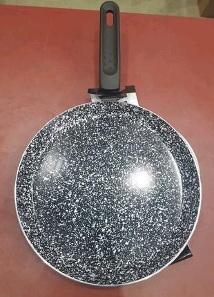 Сковорода для блинов. edenberg. 24 см.