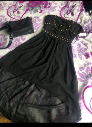 Платье с шипами, чёрное платье