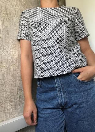 Фактурный укороченный топ/блуза в цветочный принт