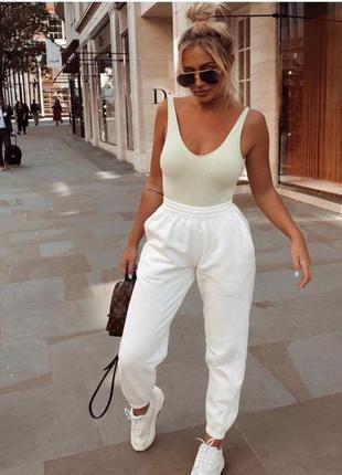 Объемные белые джоггеры 🔥prettylittlething🔥 спортивные штаны