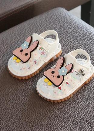 Очень милые сандалии для малышек!